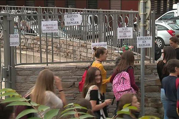 Les parents d'élèves restent mobilisés et espèrent que leur revendication sera entendue - 13 septembre 2017