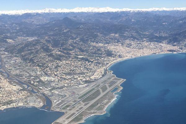 L'aéroport de Nice Côte d'Azur est la seconde plate-forme aéroportuaire de France.