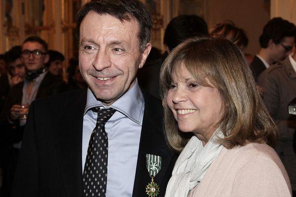 Jean-Marie Boursicot recevant la médaille de Commandeur de l'ordre des arts et des lettres au Ministère de la Culture