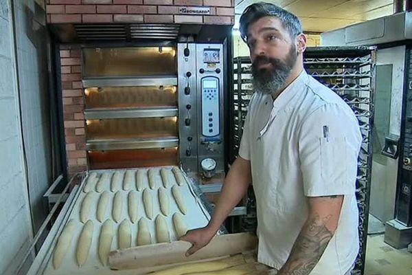 A Valras-plage, un couple de boulangers décide de se mettre à poil !