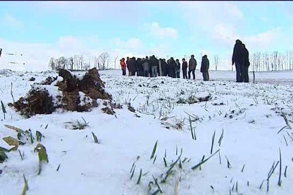Le 16 janvier, les pieds dans la neige, le nouveau président de la région Auvergne Rhône Alpes a consacré sa première visite dans le Cantal à l'agriculture et à la lutte contre les rats taupiers qui ravagent les champs.