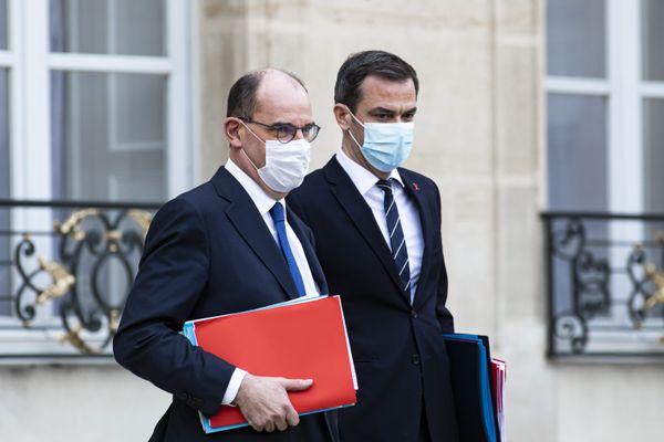 Jean Castex et Olivier Véran tiendront une nouvelle conférence de presse ce jeudi 14 janvier. L'extension du couvre-feu à toute la France semble une option possible ces prochains jours.