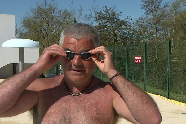 Pour certains, le plaisir de nager en extérieur vaut bien un petit frisson