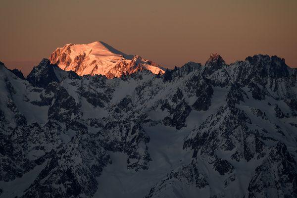 Des projections ont été réalisées par un groupe de scientifiques sur le massif du Mont-Blanc à horizon 2050.