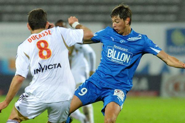 L'attaquant argentin de Niort, Emiliano Sala, a réussi un doublé face à Lens, hier soir.