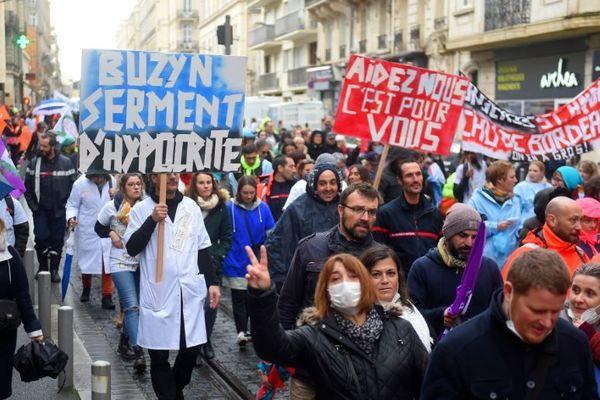 Manifestation pour l'hôpital public à Bordeaux en novembre 2019