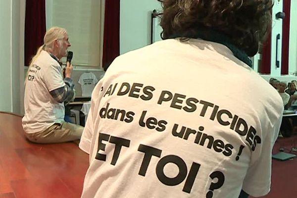 Ce jeudi soir, une réunion publique avait lieu à Perpignan. Objectif : proposer aux habitants d'effectuer des tests d'urine afin de déceler la présence, ou non, de traces de pesticides dont le glyphosate.