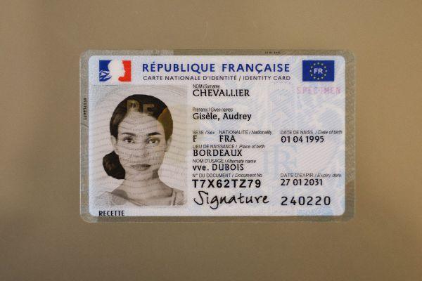 La nouvelle carte d'identité sera mise en oeuvre le 28 juin en Auvergne.