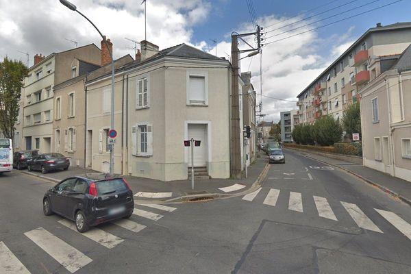 La maison de l'angle de la rue de Frémur et du bd de Strasbourg à Angers a brûlé le 12 janvier 2020