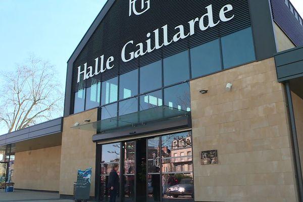 Aux halles de Brive, certains commerçants aimeraient aussi travailler le dimanche après-midi