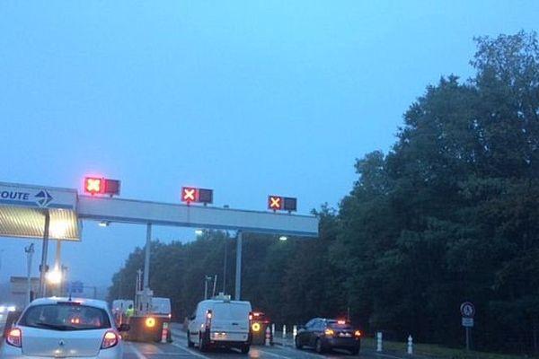 Sur l'A10, les barrières sont restées en l'air à Olivet (Loiret)