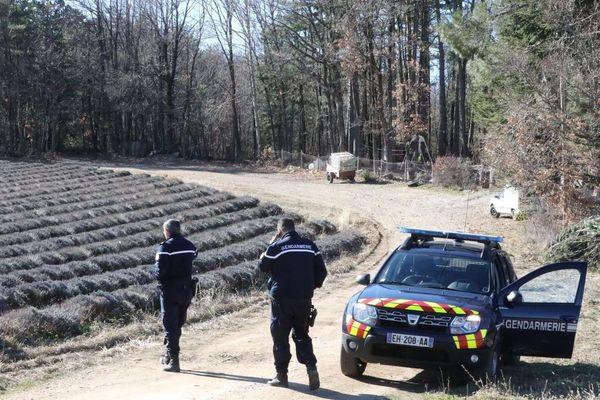 Les deux corps ont été retrouvés enterrés dans les sous bois d'une propriété du Revest-du-Bion dans les Alpes de Haute-Provence.
