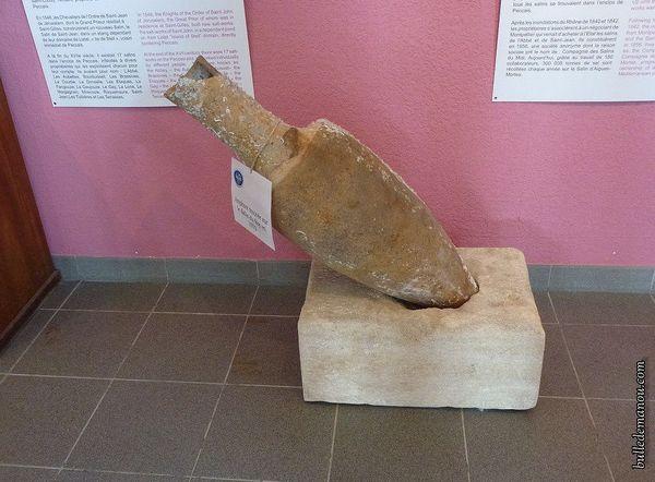 Une amphore romaine pour le sel retrouvée sur le site et exposée au musée des salins d'Aigues-Mortes.