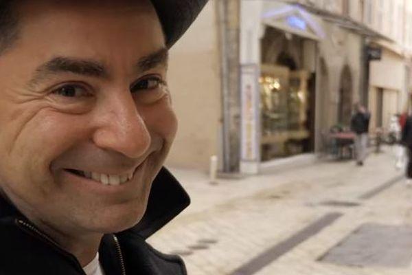Avec l'humoriste Yves Pujol, on vous explique l'origine de nos expressions favorites.