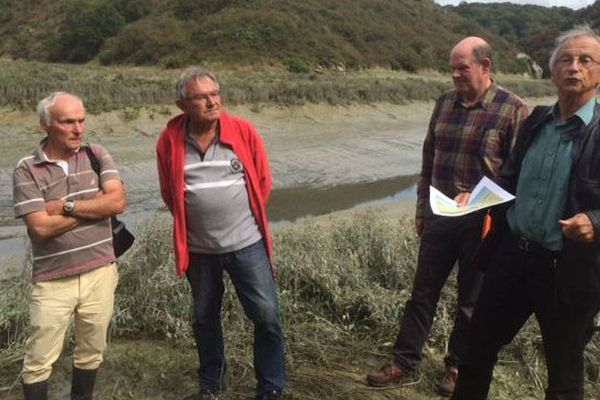 Les associations de défense de l'environnement : Yves-Marie Le Lay, André Ollivro, Jean Hascouët et Jean-Yves Piriou