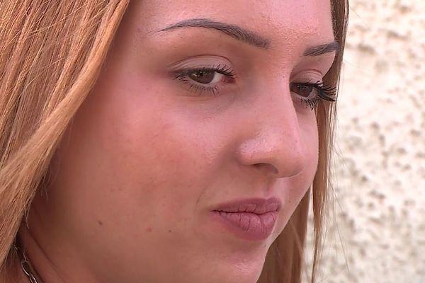 Chana est atteinte de la maladie de Huntington, une pathologie neurodégénérative qui ne lui laisse aucune perspective de vie. A 21 ans, elle a fait le choix de choisir quand mourir.