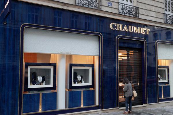 Cette boutique, située rue François 1er près des Champs-Elysées, a été braquée mardi en fin d'après-midi.