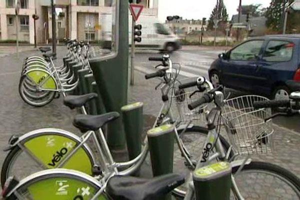Le service de location Vélo Plus rencontre un grand succès à Orléans.