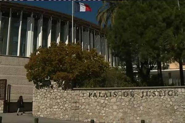 La justice a libéré ce fonctionnaire, interné d'office par la préfecture des Alpes-Maritimes.