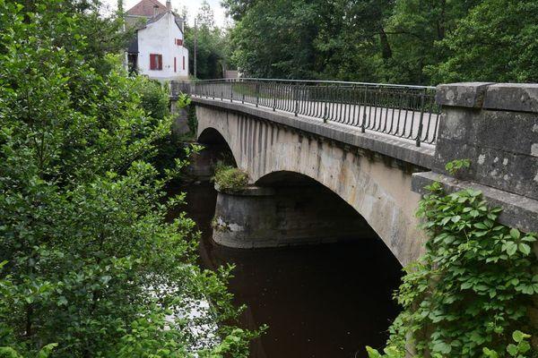 Le pont Claireau d'Avallon