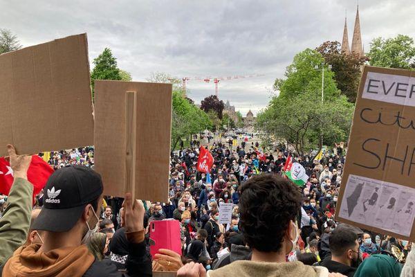 La manifestation a rassemblé du monde, mais s'est déroulée dans le calme.