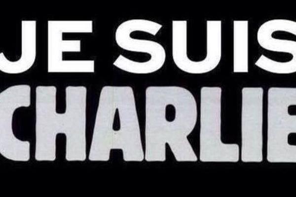 """""""Je suis Charlie"""" en soutien aux victimes des attentats à la rédaction de Charlie Hebdo"""
