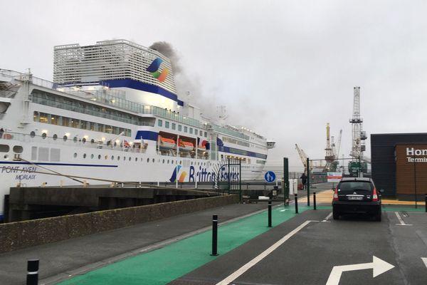 Arrivée du navire le Pont-Aven à Honfleur le dimanche 30 décembre