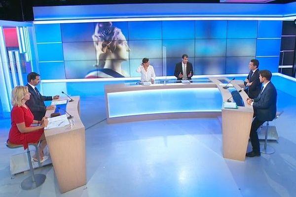 Les candidats présents au second tour sont réunis pour débattre sur France 3 Paris Ile-de-France
