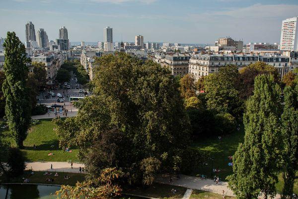 Le parc des Buttes Chaumont dans la 19è arrondissement de Paris