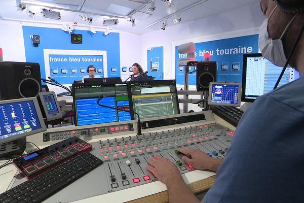 Le studio radio de France Bleu Touraine