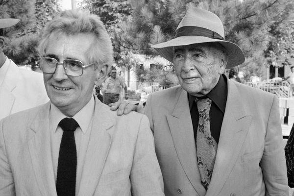 ARCHIVES.Roland Leroy, à gauche, en compagnie de Louis Aragon à la fête de l'Huma en 1981.