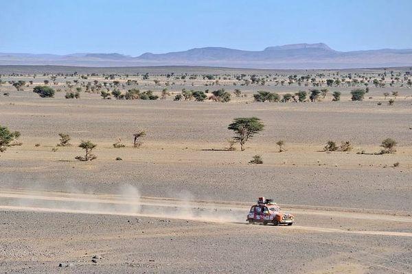Le 4L Trophy est une course humanitaire de 6 000 km destinée aux jeunes et aux étudiants