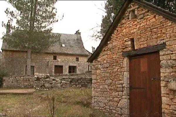 Depuis trois ans, ce hameau était en vente.