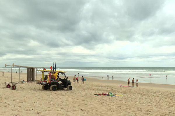 Le drame de jeudi s'est produit 4 kilomètres au nord de cette plage surveillée de Carcans.