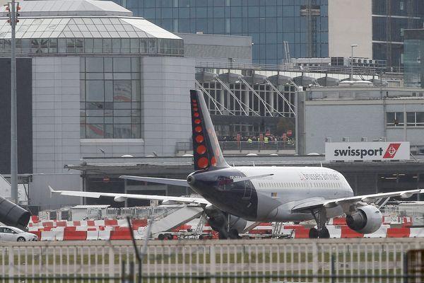 Les vols commerciaux restent suspendus à l'aéroport de Zaventem.