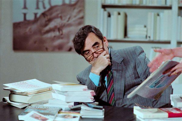 Bernard Pivot en 1987 à l'époque d'Apostrophes. Ses archives sont conservées à l'Imec près de Caen