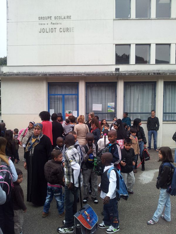 élèves à l'école Joliot-Curie (Limoges)