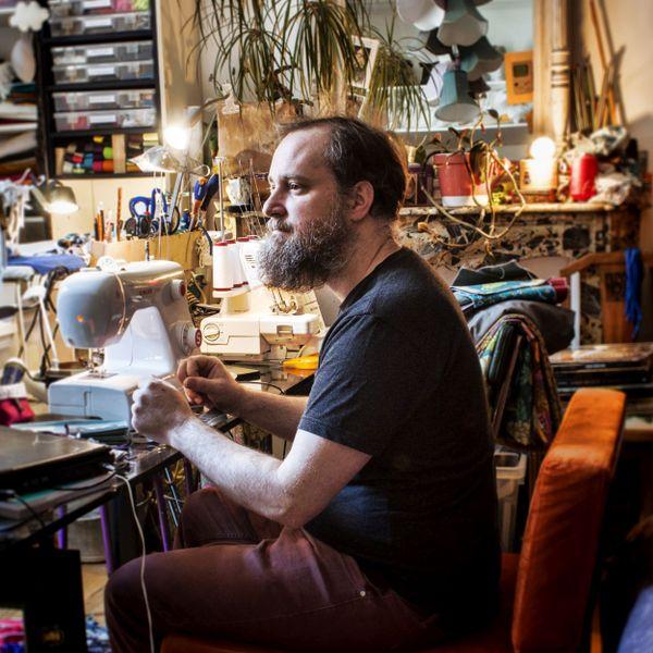 Benoît, couturier solidaire de Besançon