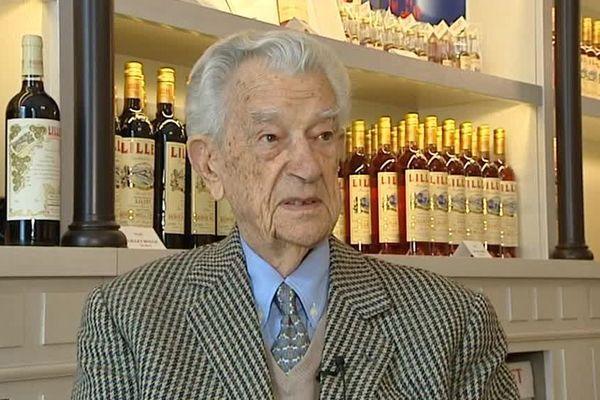 Pierre Lillet, héritier de la célèbre marque , est décédé à l'âge de 98 ans. Il perpétuait l'image de cet apéritif créé en 1872 par Paul et Raymond , son grand oncle et son père. La marque avait été rachetée en 1985.