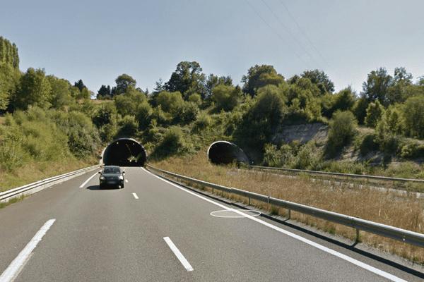 Illustration. C'est à la sortie du tunnel de Noailles que le camion a pris feu.