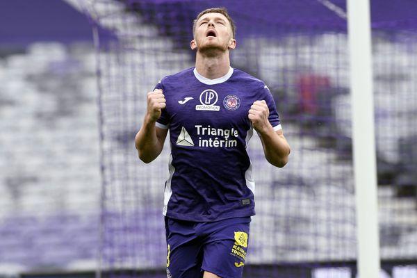 Rhys Healey fêtant son but lors du match entre le TFC et Le Havre le 19 décembre dernier.