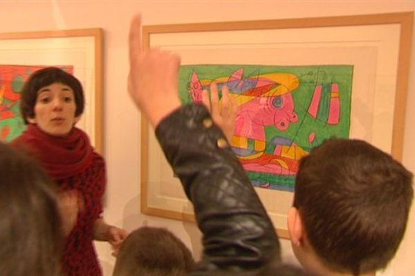 7 lithographies de Miró sont actuellement au collège Pierre de Ronsard d'Hautmont.