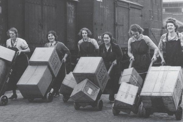 En 1941, des femmes anglaises permettent au rail de continuer ses activités - Photo d'illustration