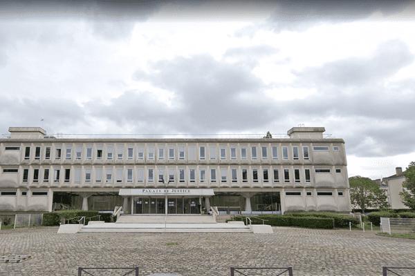 Tribunal de grande instance de Beauvais