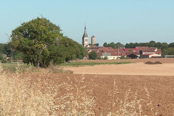 Le village de Coulmier-le-Sec dans le Châtillonnais, en Côte-d'Or.