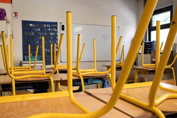 """L'école était désinfectée plusieurs fois par jour, les gestes barrières respectés, mais """"le risque zéro n'existe pas"""" explique la directrice"""