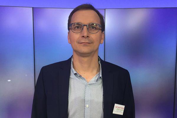 Laurent Amadieu (DVG), élu à Saint-Egrève en Isère