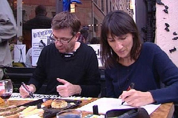 Charb, directeur de Charlie Hebdo, et Catherine, dessinatrice à Charlie à Lyon le samedi 20 octobre 2012