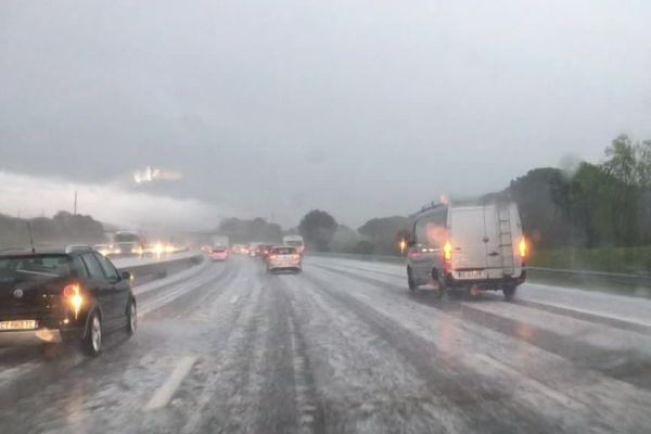 Grêle sur l'autoroute A8 ce jeudi matin dans le Var.