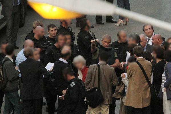 Pierre Alessandri (ici au centre de l'image), tout comme Alain Ferrandi, demandent leur retour en Corse depuis de nombreuses années.